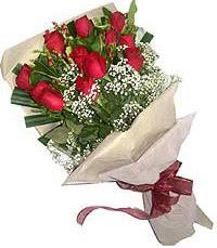 11 adet kirmizi güllerden özel buket  Sakarya online çiçekçi , çiçek siparişi