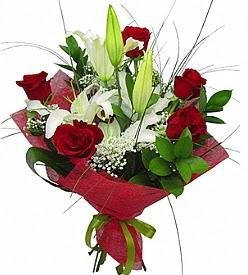 1 dal kazablanka 5 kırmızı gül buketi  Sakarya çiçek siparişi sitesi