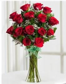 Cam vazo içerisinde 11 kırmızı gül vazosu  Sakarya çiçek satışı
