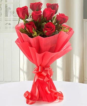 9 adet kırmızı gülden modern buket  Sakarya online çiçek gönderme sipariş