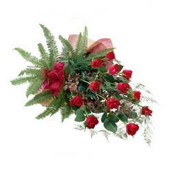 Sakarya İnternetten çiçek siparişi  10 adet kirmizi gül özel buket çiçek siparisi