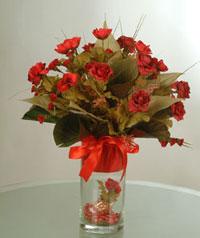 yapay güllerden vazo  9 gül  Sakarya çiçek gönderme