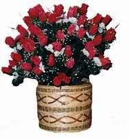 yapay kirmizi güller sepeti   Sakarya çiçek siparişi sitesi