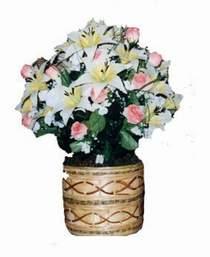 yapay karisik çiçek sepeti   Sakarya hediye çiçek yolla