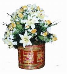 yapay karisik çiçek sepeti   Sakarya çiçek yolla
