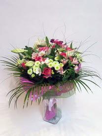 Sakarya çiçek servisi , çiçekçi adresleri  karisik mevsim buketi mevsime göre hazirlanir.