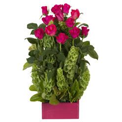 12 adet kirmizi gül aranjmani  Sakarya çiçekçi mağazası
