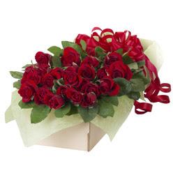 19 adet kirmizi gül buketi  Sakarya internetten çiçek satışı