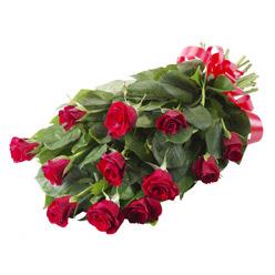 11 adet kirmizi gül buketi  Sakarya çiçekçiler