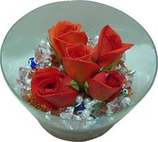 Sakarya çiçekçi telefonları  5 adet gül ve cam tanzimde çiçekler