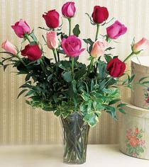 Sakarya çiçekçi mağazası  12 adet karisik renkte gül cam yada mika vazoda