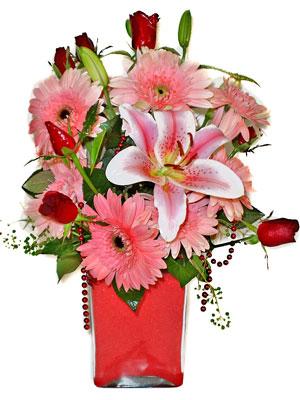 Sakarya çiçek gönderme sitemiz güvenlidir  karisik cam yada mika vazoda mevsim çiçekleri mevsim demeti