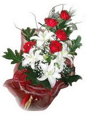 Sakarya çiçek siparişi sitesi  5 adet kirmizi gül 1 adet kazablanka çiçegi buketi