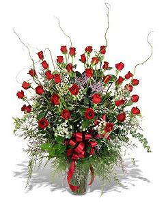 Sakarya kaliteli taze ve ucuz çiçekler  33 adet kirmizi gül vazo içerisinde