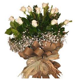 Sakarya 14 şubat sevgililer günü çiçek  9 adet beyaz gül buketi