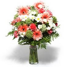 Sakarya yurtiçi ve yurtdışı çiçek siparişi  cam yada mika vazo içerisinde karisik demet çiçegi