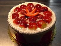 Meyvali yas pasta 4 ile 6 kisilik pasta  Sakarya kaliteli taze ve ucuz çiçekler