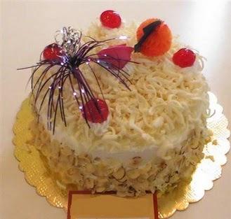 pasta siparisi 4 ile 6 kisilik yaspasta mis lezzette  Sakarya 14 şubat sevgililer günü çiçek