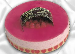 pasta siparisi 4 ile 6 kisilik yas pasta framboaz yaspasta  Sakarya internetten çiçek satışı