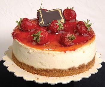 online pastaci 4 ile 6 kisilik yas pasta çilekli  Sakarya kaliteli taze ve ucuz çiçekler