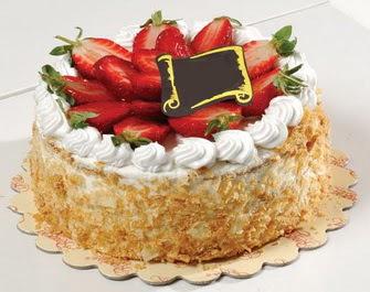 uygun pastaneler 4 ile 6 kisilik çilekli yas pasta lezzetli  Sakarya çiçek yolla , çiçek gönder , çiçekçi