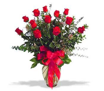 çiçek siparisi 11 adet kirmizi gül cam vazo  Sakarya İnternetten çiçek siparişi