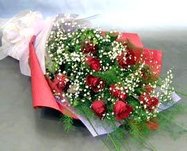 10 adet kirmizi gül çiçegi gönder  Sakarya çiçek satışı