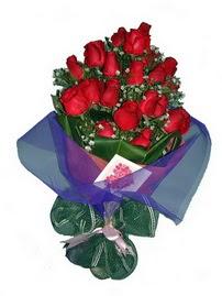 12 adet kirmizi gül buketi  Sakarya İnternetten çiçek siparişi