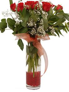 Sakarya çiçek gönderme  11 adet kirmizi gül vazo çiçegi