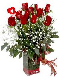 Sakarya çiçek yolla , çiçek gönder , çiçekçi   9 adet mika yada cam vazoda gül tanzimi kalp çubuk