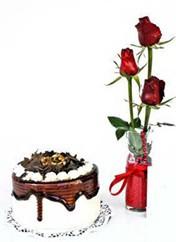 Sakarya çiçek yolla , çiçek gönder , çiçekçi   vazoda 3 adet kirmizi gül ve yaspasta