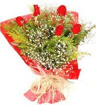Sakarya çiçek satışı  5 adet kirmizi gül buketi demeti
