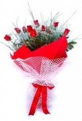 Sakarya online çiçek gönderme sipariş  9 adet kirmizi gül buketi demeti