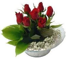 Sakarya güvenli kaliteli hızlı çiçek  cam yada mika içerisinde 5 adet kirmizi gül