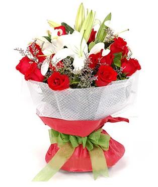 Sakarya çiçek servisi , çiçekçi adresleri  1 dal kazablanka 11 adet kırmızı gül buketi