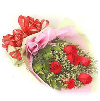Sakarya hediye sevgilime hediye çiçek  6 adet kırmızı gülden buket