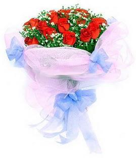 Sakarya kaliteli taze ve ucuz çiçekler  11 adet kırmızı güllerden buket modeli
