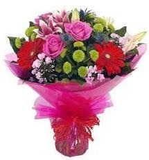 Karışık mevsim çiçekleri demeti  Sakarya İnternetten çiçek siparişi