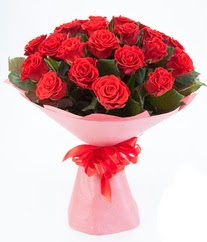 15 adet kırmızı gülden buket tanzimi  Sakarya kaliteli taze ve ucuz çiçekler