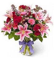 Vazo içerisinde karışık mevsim çiçeği  Sakarya kaliteli taze ve ucuz çiçekler