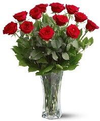 11 adet kırmızı gül vazoda  Sakarya online çiçekçi , çiçek siparişi
