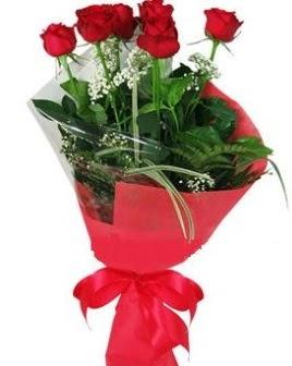 5 adet kırmızı gülden buket  Sakarya çiçek siparişi sitesi
