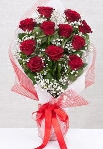 11 kırmızı gülden buket çiçeği  Sakarya çiçekçi telefonları