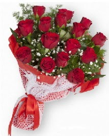 11 kırmızı gülden buket  Sakarya internetten çiçek satışı