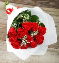 9 kırmızı gülden buket çiçeği  Sakarya uluslararası çiçek gönderme