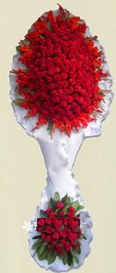 Çift katlı kıpkırmızı düğün açılış çiçeği  Sakarya çiçek satışı