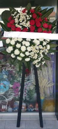 Cenaze çiçeği cenaze çiçek modelleri  Sakarya kaliteli taze ve ucuz çiçekler