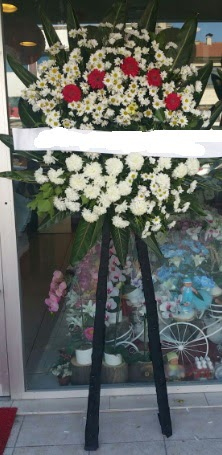 Cenaze çiçeği cenaze çiçek modelleri  Sakarya uluslararası çiçek gönderme