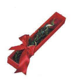 Sakarya ucuz çiçek gönder  tek kutu gül sade ve sik
