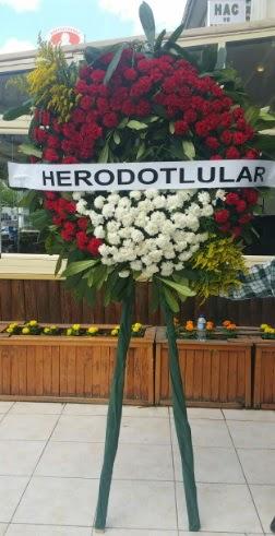 Cenaze çelengi cenazeye çiçek modeli  Sakarya anneler günü çiçek yolla